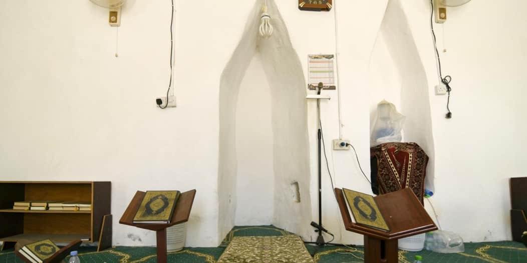 مسجد عاكسة التراثي بُني قبل 100 عام ليصبح منارة ثقافية وعلمية