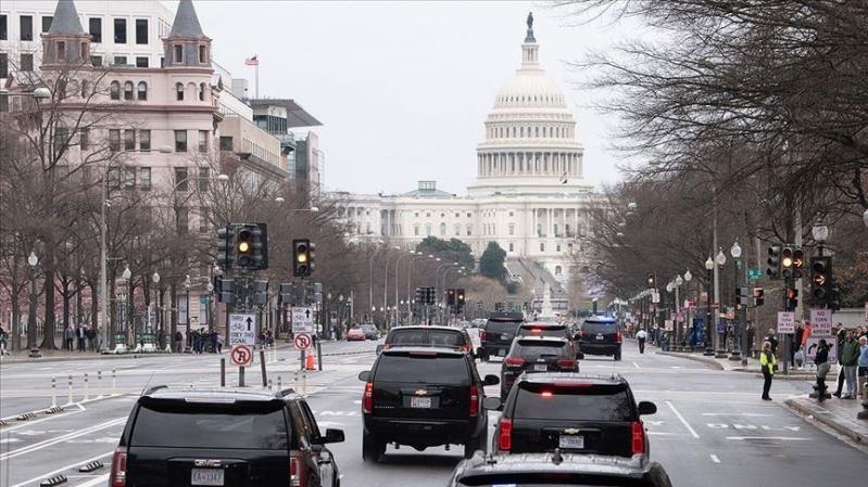 واشنطن تعلن موعد بدء رفع قيود العزل العام