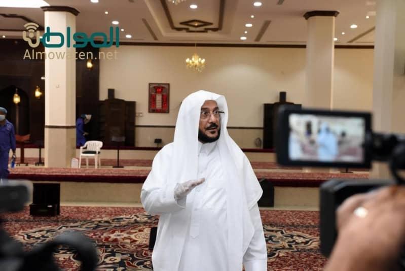 بالفيديو.. وزير الشؤون الإسلامية بألم: تيار المساجد يسحب للاستراحات وعلى عينك يا تاجر