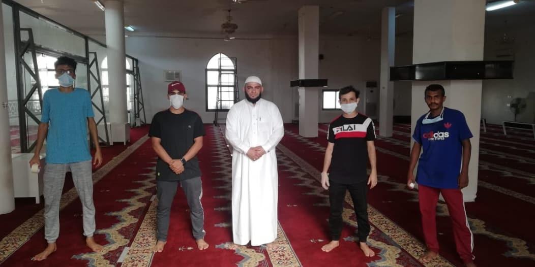 فرق تطوعية لتنظيف وتهيئة جوامع ومساجد ناوان