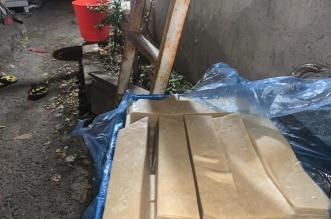 بلدية بلقرن تداهم موقعًا مجهولًا وتضبط 585 كجم أغذية فاسدة - المواطن