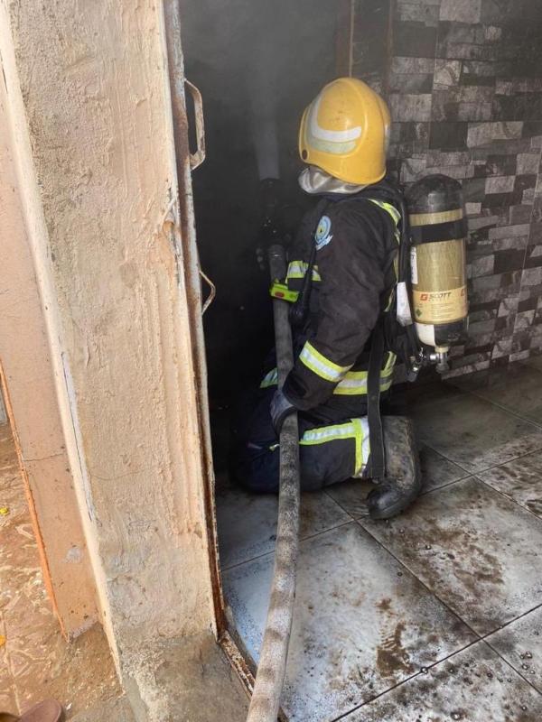 التماس كهربائي يحرق منزلًا في البرك - المواطن
