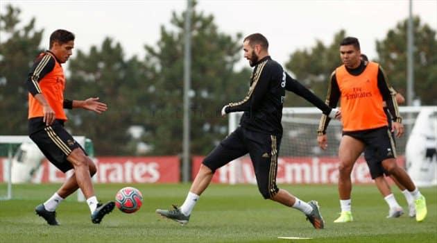 نجوم ريال مدريد يخوضون التدريبات الجماعية للمرة الأولى