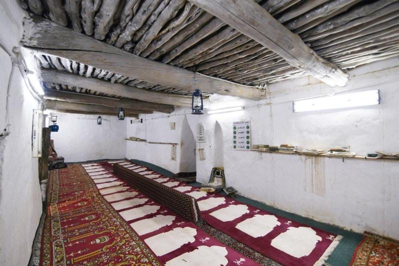 ترميم مسجد صدرأيد التراثي بالنماص.. أنشئ في عهد هارون الرشيد