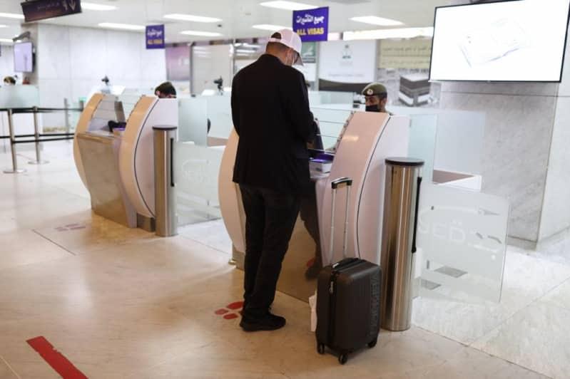 """""""عودة"""" تنهي إجراءات سفر رحلة إلى باريس تقل 196 راكبًا - المواطن"""