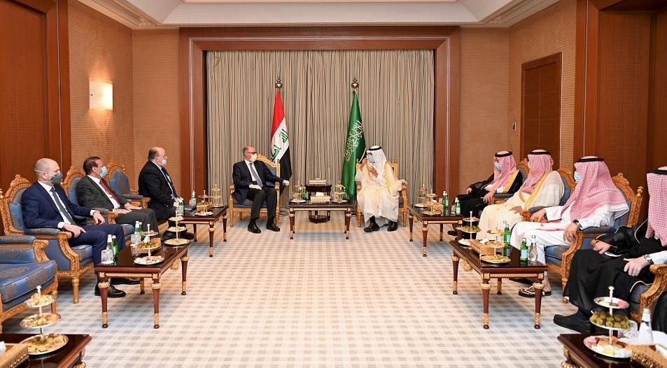 علاوي في السعودية .. حمل رسالة للملك سلمان والتقى أمراء ووزراء