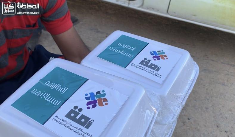 توزيع 1100 وجبة يومية للعمالة المتضررة في حفر الباطن