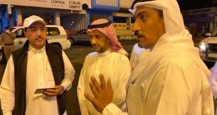 الدفع بآليات ومعدات لنزح مياه الأمطار بخميس مشيط