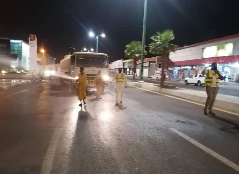 تعقيم ورش شوارع وميادين جازان لمكافحة كورونا - المواطن