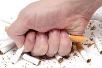 نصيحة للمدخنين.. استمروا بإرادة رمضان - المواطن