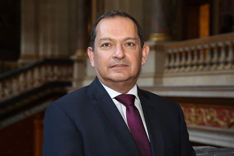 سفير بريطانيا لدى السعودية يدين هجمات الحوثيين على نجران