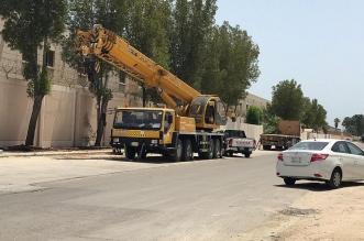 حملة لإزالة الحواجز الخرسانية بـ18 مجمعًا سكنيًا في الجبيل - المواطن