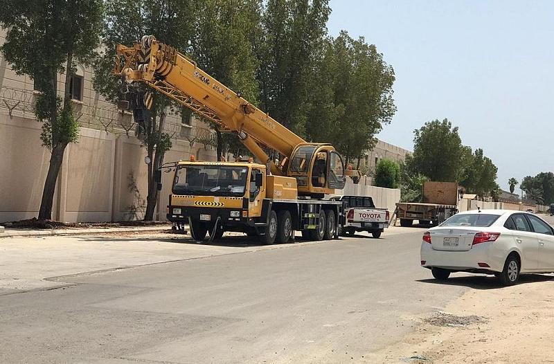 حملة لإزالة الحواجز الخرسانية بـ18 مجمعًا سكنيًا في الجبيل