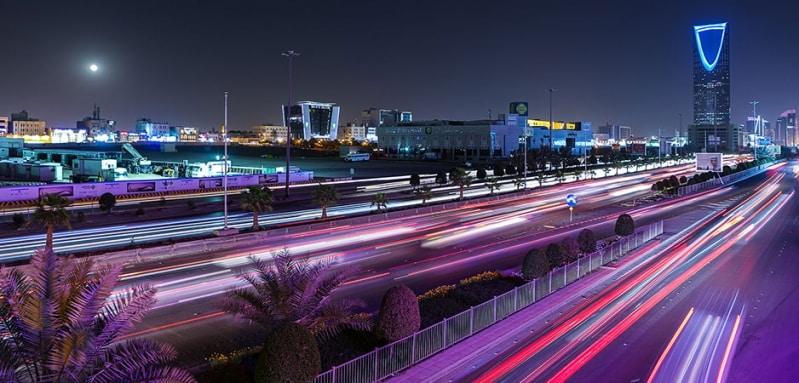 صحيفة إسبانية: محمد بن سلمان يقود السعودية إلى مستقبل جديد