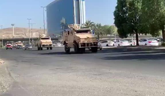 شاهد.. آليات الحرس الوطني تغادر مكة بعد رفع منع التجول