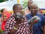 عامل بسيط يصبح مليونيرًا في لحظة بسبب التنزانيت!