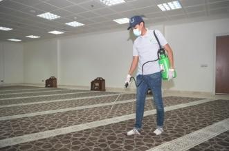 صور.. طلاب جامعة جازان يشاركون في تعقيم 20 مسجدًا - المواطن