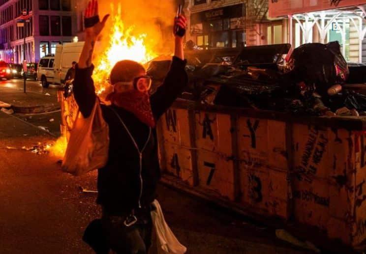 الحرائق تقترب من البيت الأبيض وترامب يتحصن خلف الطوارئ - المواطن