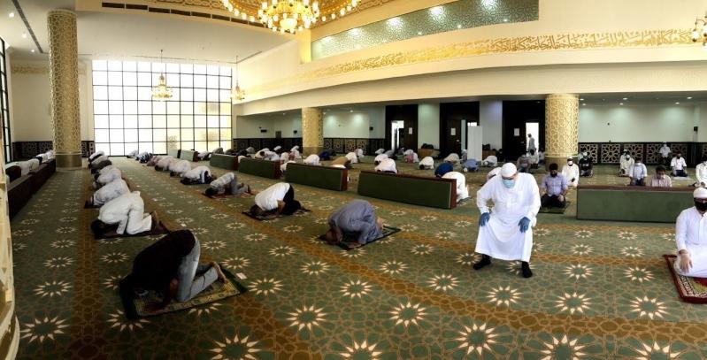 صلاة الجمعة الاولى بعد رفع الحظر 2