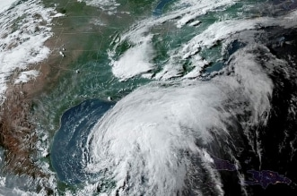 إجلاء سكان مناطق ساحل لويزيانا قبل عاصفة استوائية - المواطن