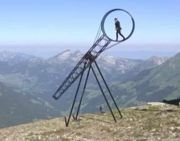 عجلة الموت فوق جبال الألب لحظات تخطف الأنفاس في 55 ثانية - المواطن