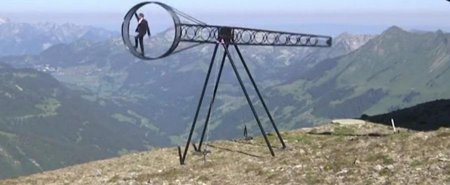 عجلة الموت فوق جبال الألب لحظات تخطف الأنفاس في 55 ثانية