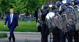 ما هو قانون التمرد الذي يستند عليه ترامب لمهاجمة المحتجين ؟