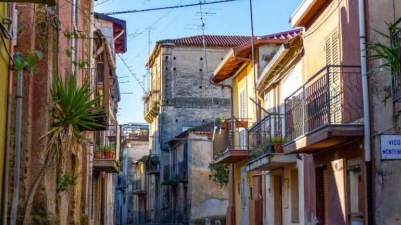 مقابل يورو واحد.. امتلك منزلاً في إيطاليا