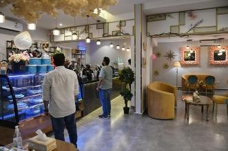 قطاع المقاهي والكافيهات يعود تدريجيا للحياة الطبيعية بالطائف