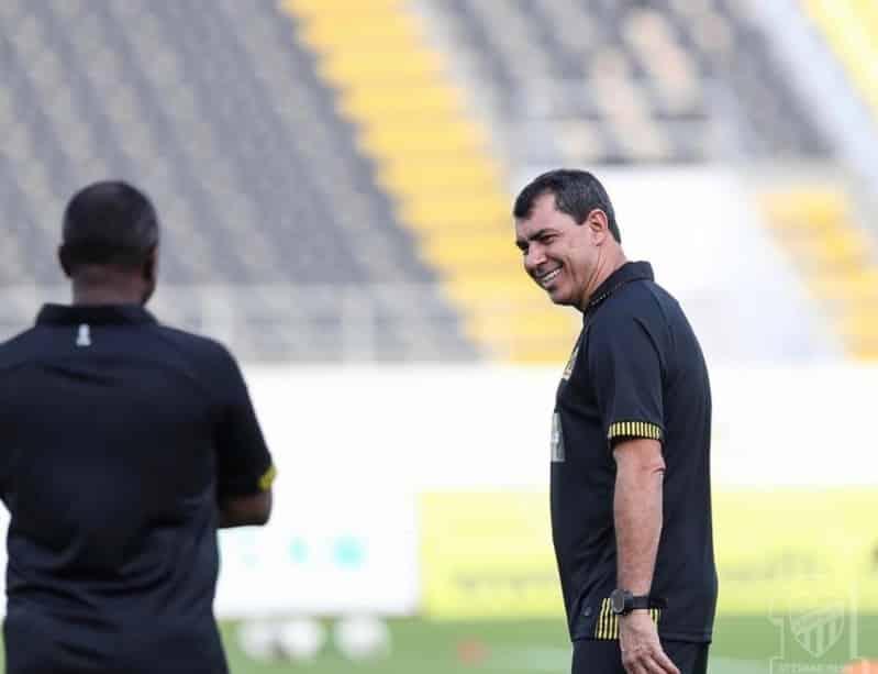 المدرب البرازيلي كاريلي