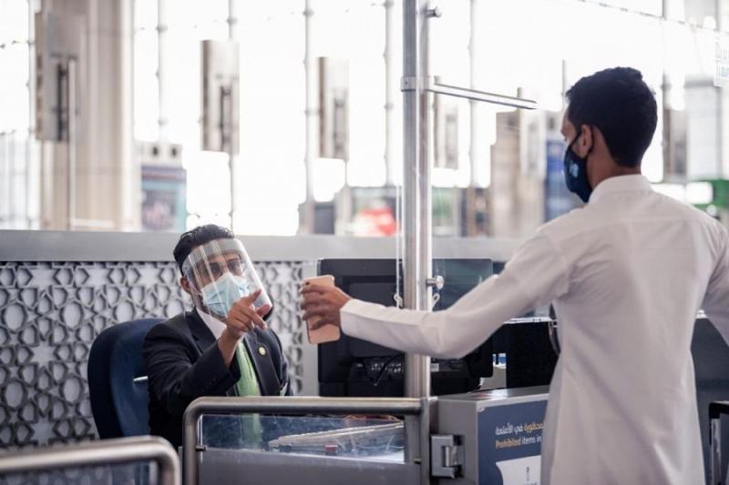 صور تبرز الالتزام.. هكذا استأنف مطارا المدينة وجازان رحلاتهما - المواطن