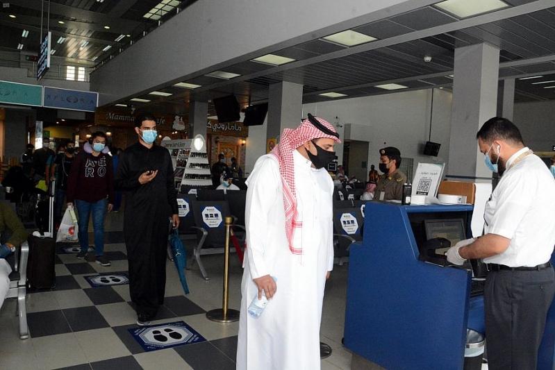 فحص الركاب ومناطق للعزل وارتداء الكمامة شرط دخول مطار جازان - المواطن