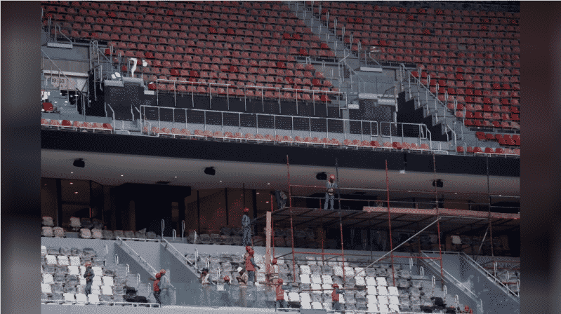 تقرير يرصد انتهاكات ضد عمال بناء ملعب كأس العالم 2022 في قطر