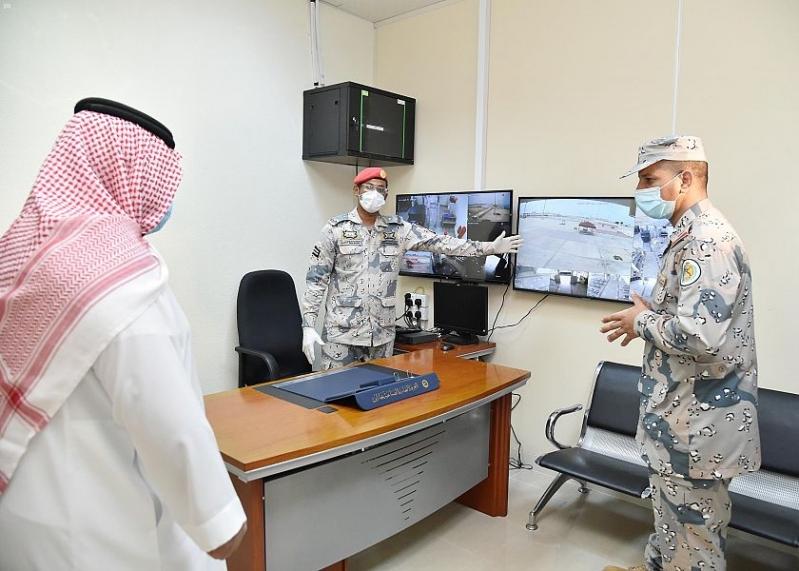 نائب أمير جازان يتابع الاحترازات بصالات وعبارات ميناء فرسان - المواطن