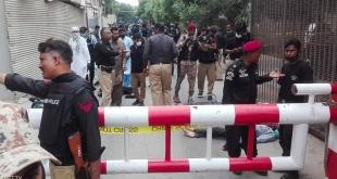 بالفيديو.. قتلى في هجوم مسلح على بورصة كراتشي