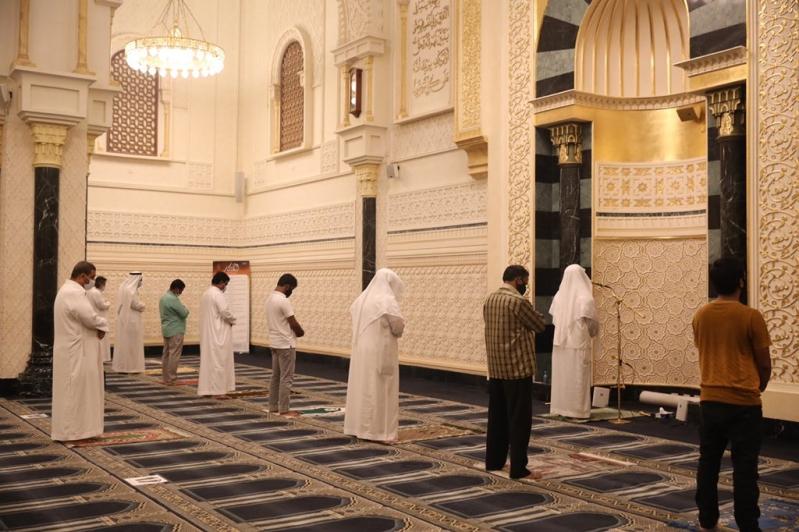 أول صلاة فجر في مساجد مكة المكرمة .. التزام وخشوع ودعاء - المواطن