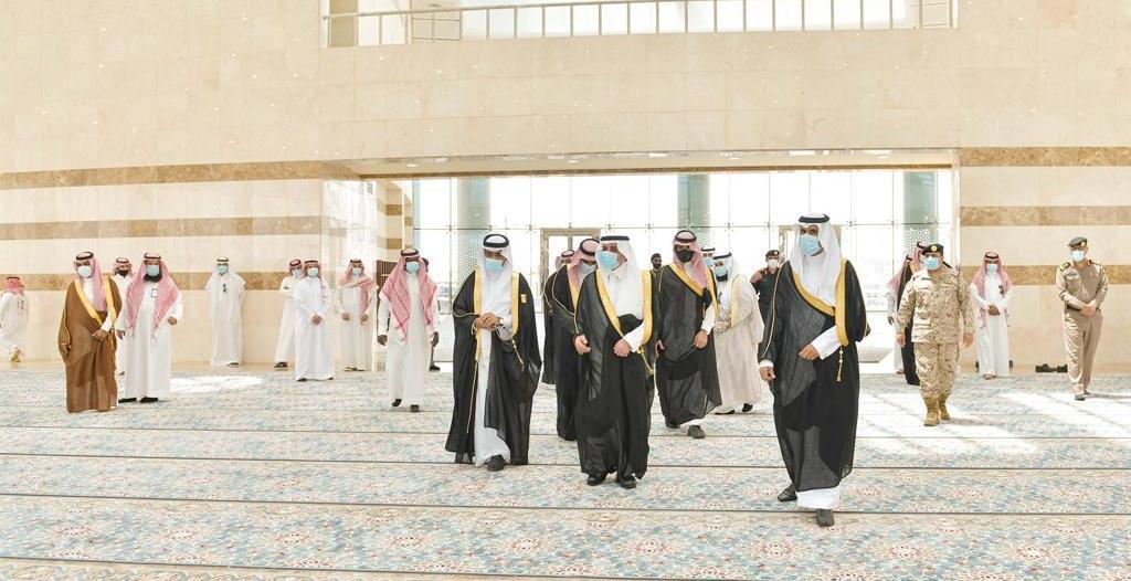 فهد بن سلطان في جامع جامعة تبوك.. يجمع بين الحضارة الإسلامية والعمارة الحديثة