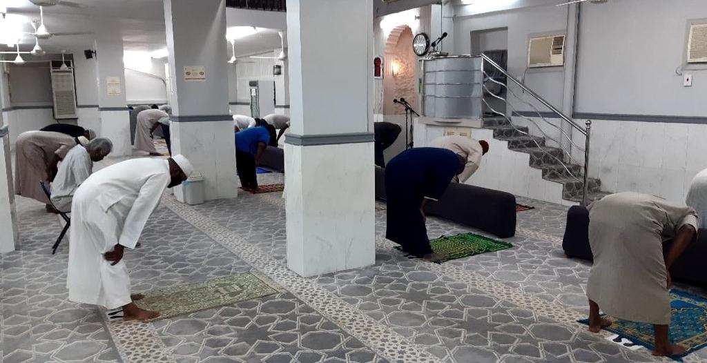 أول صلاة فجر في مساجد مكة المكرمة .. التزام وخشوع ودعاء