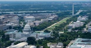 واشنطن بوست: ضباط شاركوا باقتحام الكونجرس