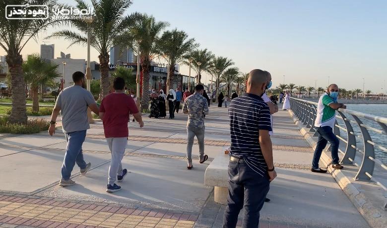 إقبال كثيف من المواطنين على كورنيش الخبر - المواطن
