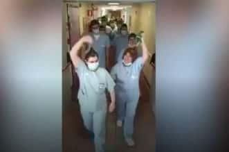 فيديو.. أطباء يحتفلون بتعافي آخر مريض وإغلاق قسم كورونا بمستشفى إيطالي - المواطن