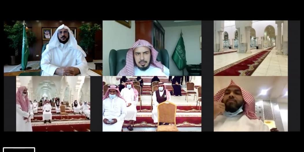 آل الشيخ لمن يخدم الحجيج: ما تقدمونه ليس له جزاء إلا الأجر والثواب من الله