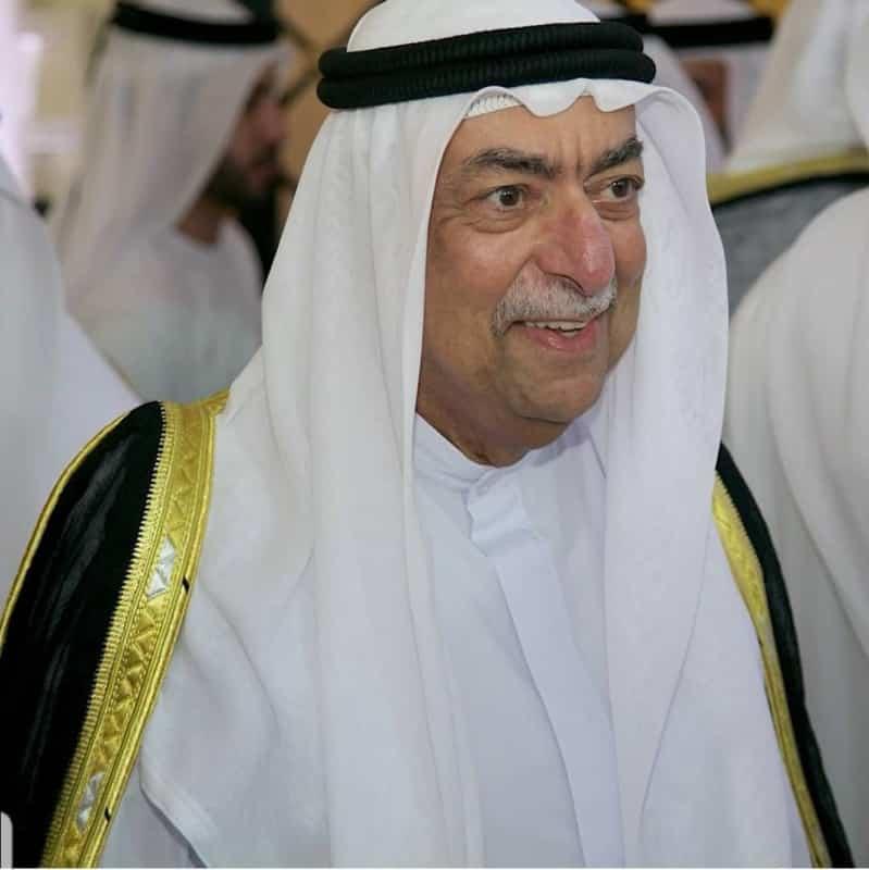 تنكيس الأعلام في الشارقة بعد وفاة الشيخ أحمد بن سلطان القاسمي
