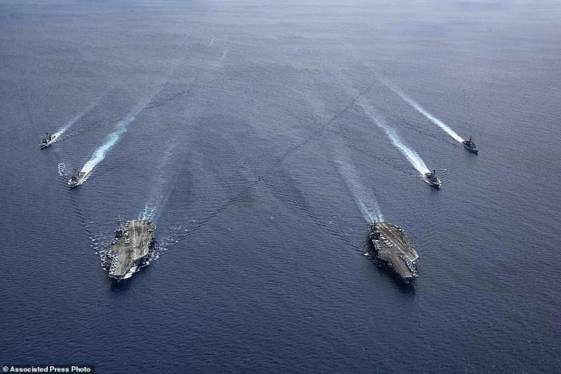 صور.. أمريكا تستعرض قواتها بـ F-18 و B-52 في بحر الصين