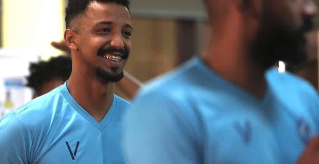 أمين بخاري يُشارك في تدريبات النصر
