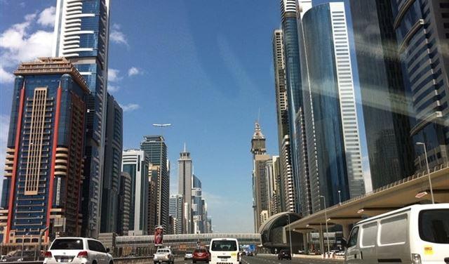 مدينة عربية تخفض تكلفة معيشة الوافدين لإنعاش اقتصادها
