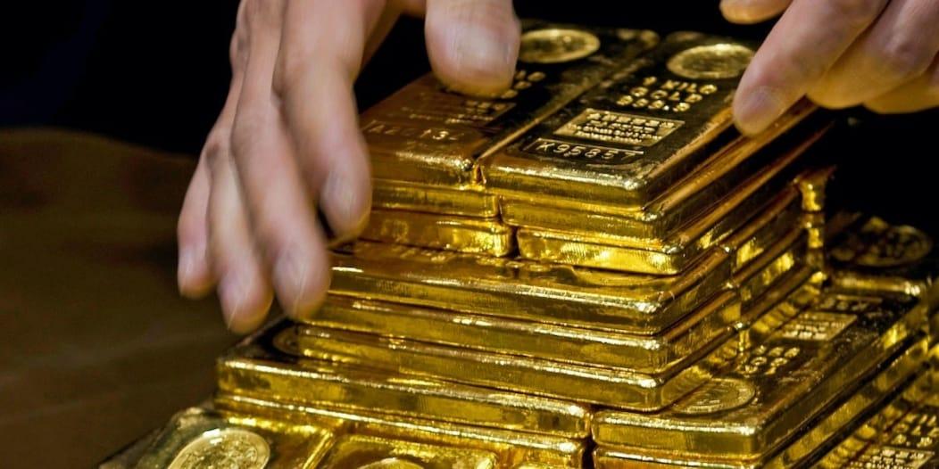 سعر الذهب يتجه لأسوأ أداء أسبوعي منذ مارس