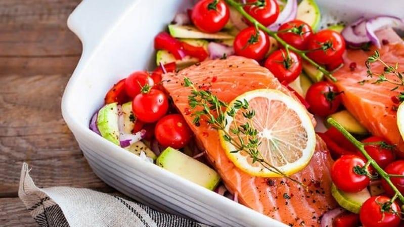 المسموح به والممنوع من الأطعمة عند ارتفاع حرارة الجسم - المواطن