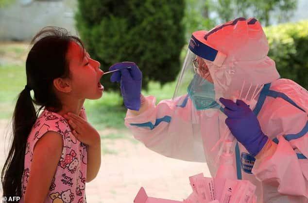 الصين تسجل بؤرة جديدة لفيروس كورونا بإصابات تجاوزت الـ 100