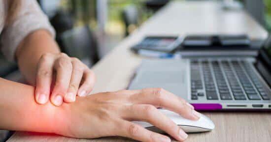 متلازمة النفق الرسغي مرض موظفي المكاتب تعرّف على الأسباب والعلاج